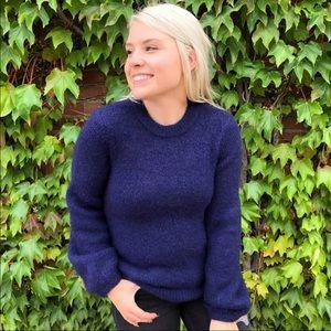 H&M fuzzy navy blue sweater crew neck
